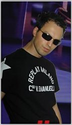 Veselin Tasev - Digital Trance World 054 on Party107 (08-13-08)