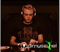 Andy Moor - Moor Music September 2008 on Party107 (09-16-08)